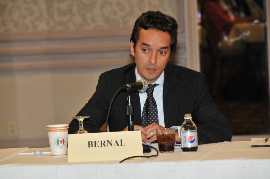 Alberto Bernal - Columnista Diario La República